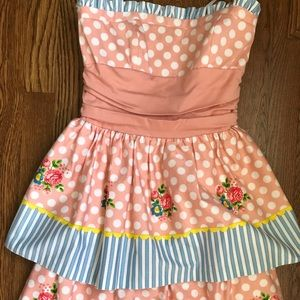 Betsey Johnson Size 2 Strapless Dress